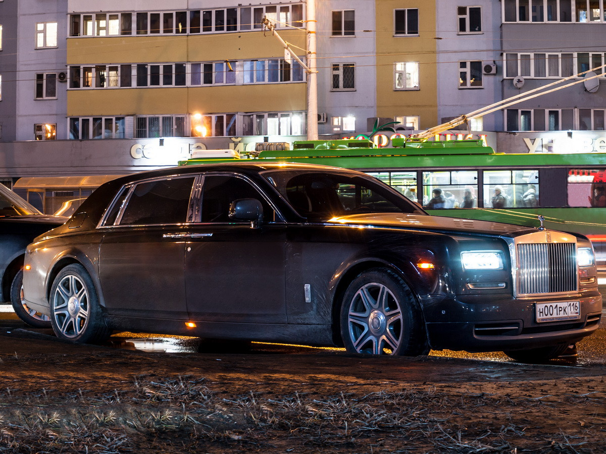 rolls royce power by hour Gone are the days when rolls-royce said simply that its engines produced adequate power the cullinan is powered by a 67-liter twin-turbo v-12 that produces 563 horsepower and 627 pound.